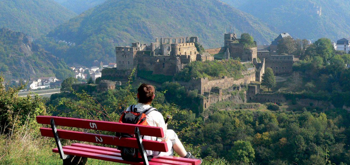 Wandern von Burg zu Burg im Welterbe Rheintal