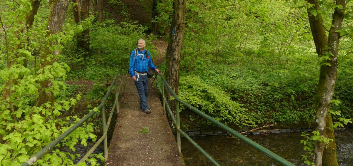 Romantisch wandern im Brexbachtal.
