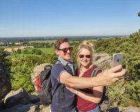 Premiumwandern auf den Teutschleifen. Foto: Tecklenburg Tourismus/Schubert